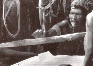 Geoffrey O'Connor. El límite de la conquista. El viaje del jefe Wai-Wai, 1992