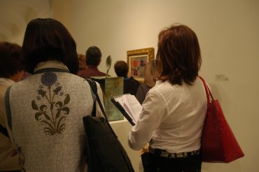 Alumnos del curso en una de las salas dedicadas a Joan Miró. Museo Reina Sofía, 2007