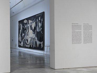 Vista de salas de la exposición Piedad y terror en Picasso. El camino a Guernica
