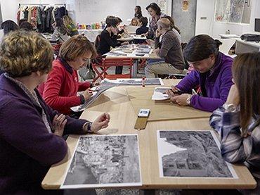Profesores asisten a una sesión de formación