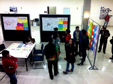 Exposición  y socialización del proceso de investigación del Equipo Mercado San Roque bajo la coordinación del Instituto Metropolitano de Cultura y Fundación Museos. Cajita de Cristal, Quito. Enero 2013. Transductores. Creative Commons. 3.0