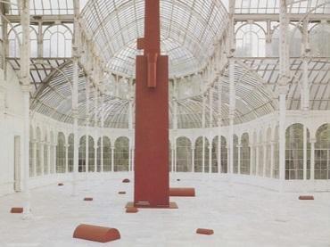 Vista de sala de la exposición. Miquel Navarro. Minerva Paranoica, 1989