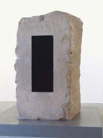 Anish Kapoor. Es Hombre, 1988. Escultura. Colección Museo Nacional Centro de Arte Reina Sofía, Madrid