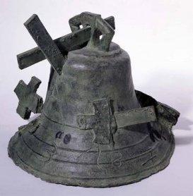 Antoni Tàpies. Campana, 1989-1993. Sculpture. Museo Nacional Centro de Arte Reina Sofía Collection, Madrid