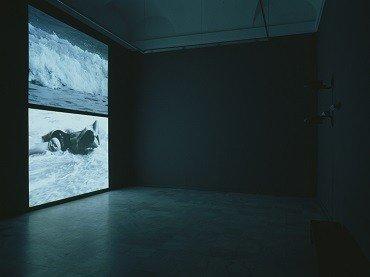 Vista de sala de la exposición. Burt Barr. Obra reciente, 2002