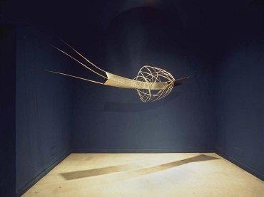 Vista de sala de la exposición Blanca Muñoz. El universo transparente, 2004