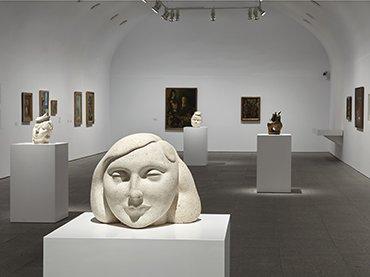Vista de sala de la exposición Campo Cerrado. Arte y poder en la posguerra española. 1939-1953