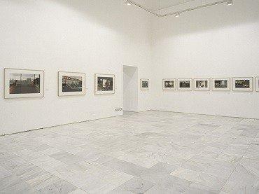 Vista de sala de la exposición. Philip-Lorca diCorcia. Hustler/ Streetwork, 1997