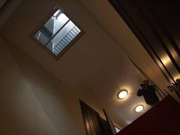 Vista de sala de la exposición. Leandro Erlich. La Torre, 2008