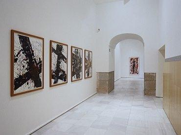 Vista de sala de la exposición. Sam Francis. Pinturas 1947-1990, 2000