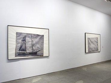 Vista de sala de la exposición. Figure 3. Paul Sietsema, 2009