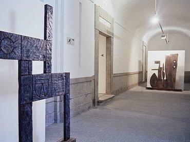 Exhibition view. La Escuela del Sur. El taller Torres-García y su legado, 1991