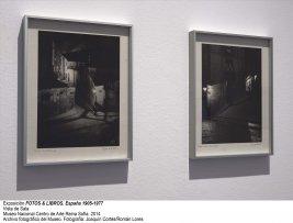 Vista de sala/gallery view de la exposición Fotos y libros. España 1905-1977 (imagen 3)