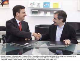 Roman Escolano y Manuel Borja-Villel firmando el convenio de depósito