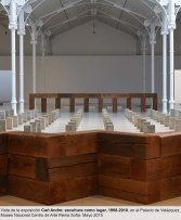 Vista de la exposición  Carl Andre. Escultura como lugar 1958-2010