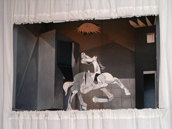 Escena de la representación teatral.