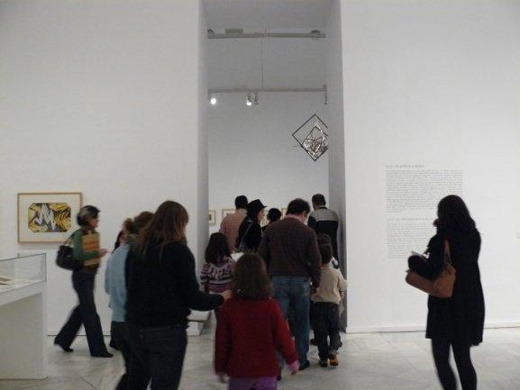 Diferentes momentos del recorrido por la exposición