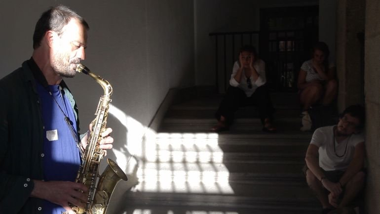 Jean-Luc Guionnet y Artur Vidal. Two Simultaneous Concerts for Two Staircases. Babbling and Glossolalias