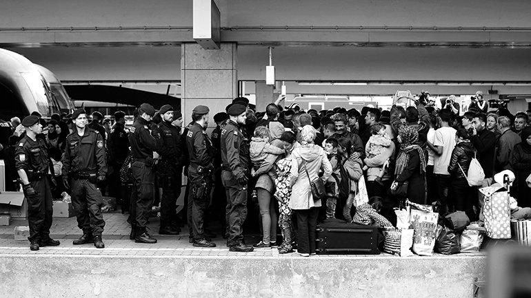 Josh Zakary. Arrival of Syrian refugees to Vienna. 2015