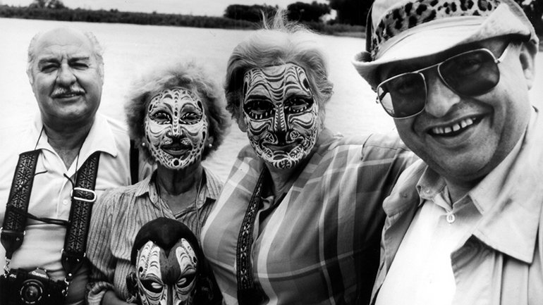 Dennis O'Rourke. Cannibal Tours. Film, 1988