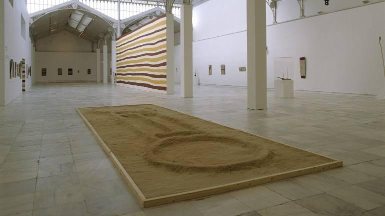 Exhibition view. Ramingining: arte aborigen australiano de la tierra de Arnhem, 2002