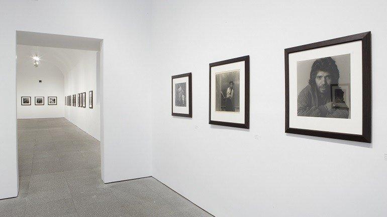 Vista de sala de la exposición. Alberto García-Alix. De donde no se vuelve, 2008