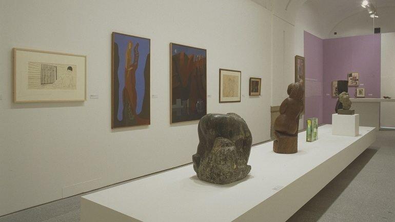 Vista de sala de la exposición. Black Mountain College. Una aventura americana, 2002