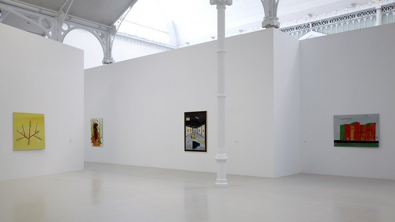 Vista de sala de la exposición. René Daniëls. Una exposición es siempre parte de un todo mayor, 2011
