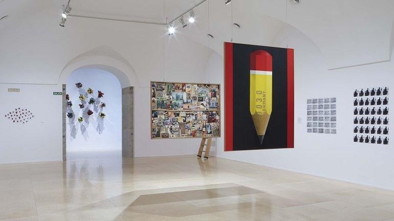 """Exhibition view. Hans-Peter Feldmann. """"An Art Exhibition"""", 2010"""