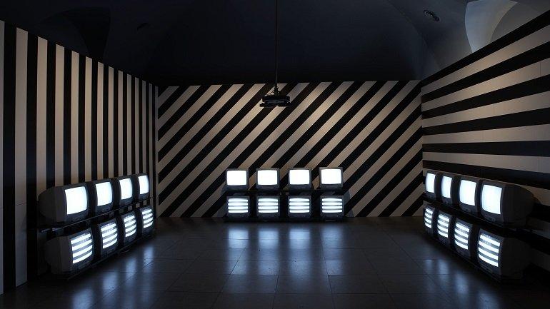VALIE EXPORT. Adjungierte Dislokation III, 1978-1997. Vídeo, Instalación. Colección Museo Nacional Centro de Arte Reina Sofía, Madrid