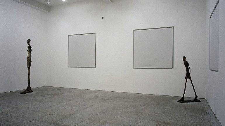 Vista de sala de la exposición Alberto Giacometti, 1990