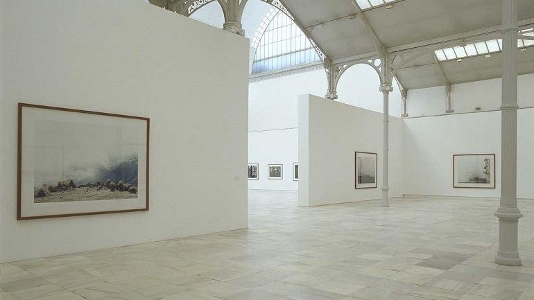 Exhibition view. Axel Hütte. Terra incognita, 2004