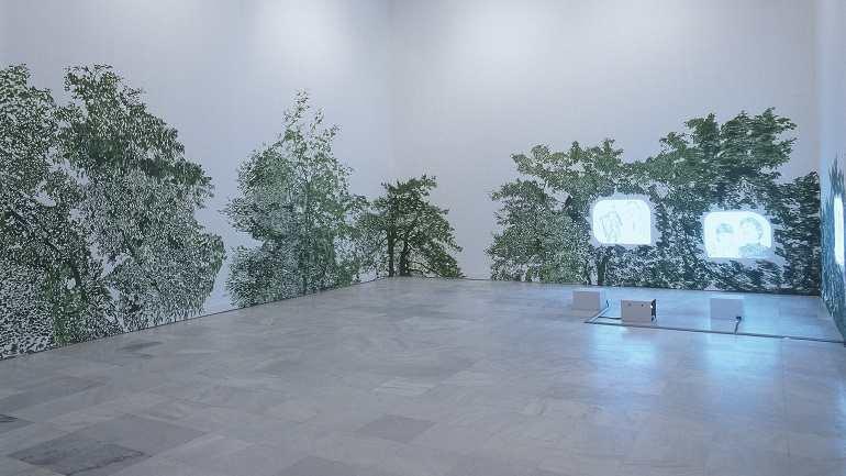 Exhibition view. Claudia y Julia Müller. ¿Con quién dejamos a nuestros hijos e hijas?, 2003