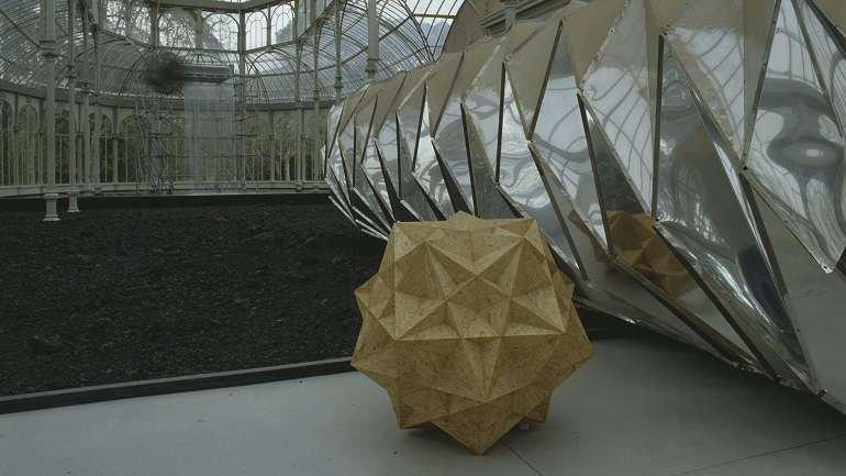 Vista de sala de la exposición. Funcionamiento silencioso. Olafur Eliasson, 2003