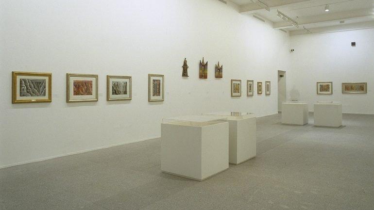 Vista de sala de la exposición. Xul Solar, 2002