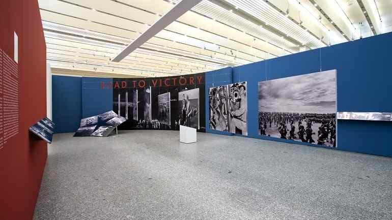 Vista de sala de la exposición. Edward Steichen. Una epopeya fotográfica, 2008