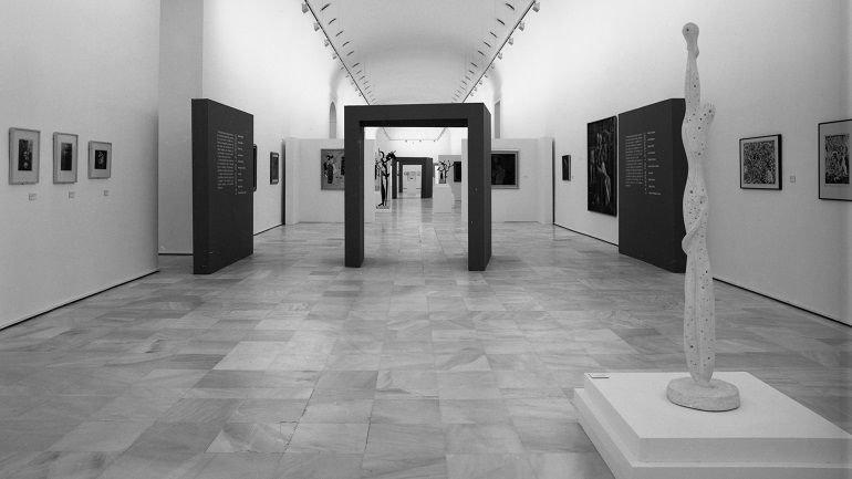 Vista de sala de la exposición El surrealismo en España 1924-1939, 1994