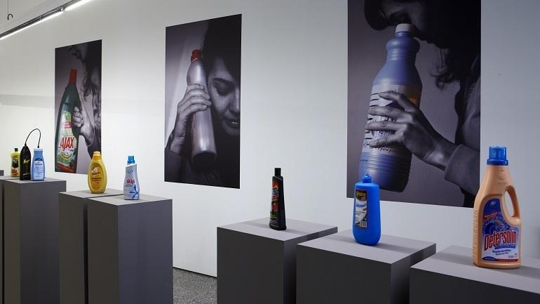 Exhibition view. Eulàlia Valldosera. Dependences, 2009