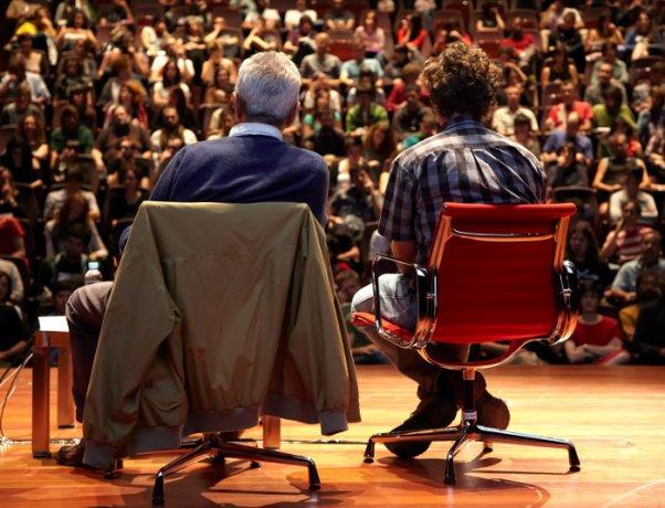 Michael Hardt y Antonio Negri. Crisis y revoluciones posibles. Conferencia en Museo Reina Sofía, octubre 2011