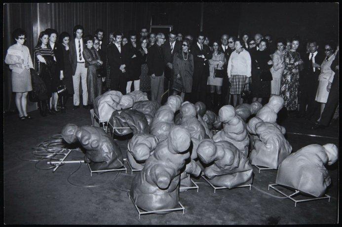 Trabajo-Soledad interrumpida. Buenos Aires, 1971. Archivo Alexanco. Centro de Documentación