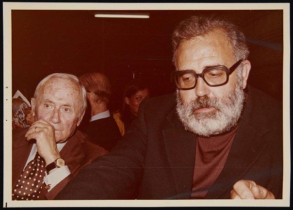 Joan Miró y Moreno Galván (1979). Archivo José María Moreno Galván. Centro de Documentación