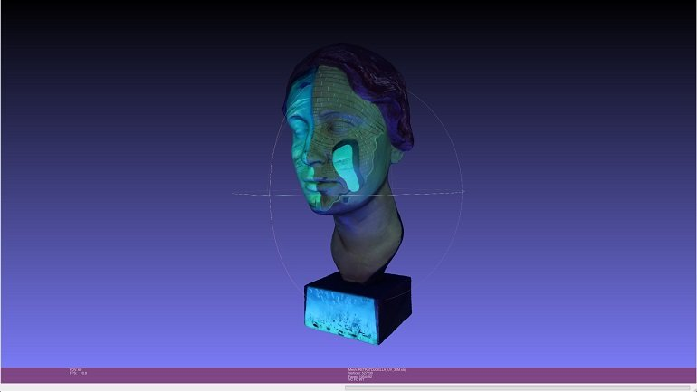 3D view with ultraviolet light